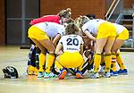 Almere - Zaalhockey Amsterdam-Den Bosch (v)  .  team huddle . .TopsportCentrum Almere.    COPYRIGHT KOEN SUYK