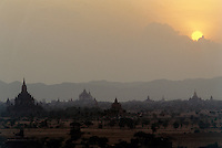 Sunset behind the 10.000 pagodas of the ancient capital.