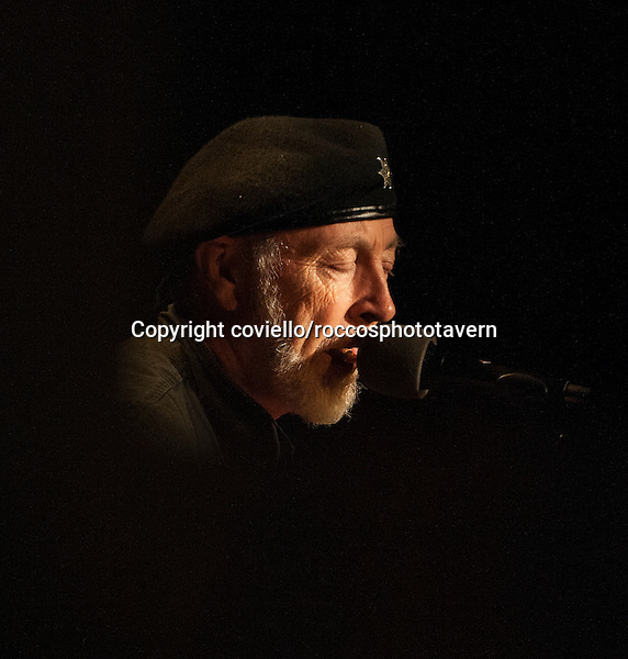Richard Thompson playing Newburyport Mass.