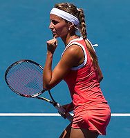 Gisela Dulko (ARG) against  Ana Ivanovic (SRB) (20) in the Second Round of the Womens Singles. Dulko beat Ivanovic 6-7 7-5 6-4..International Tennis - Australian Open Tennis - Thur 21 Jan 2010 - Melbourne Park - Melbourne - Australia ..© Frey - AMN Images, 1st Floor, Barry House, 20-22 Worple Road, London, SW19 4DH.Tel - +44 20 8947 0100.mfrey@advantagemedianet.com