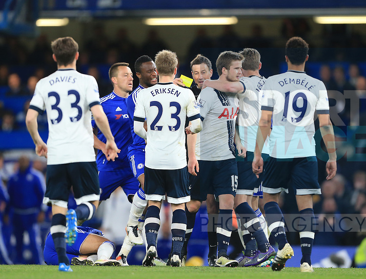 Chelsea's and Tottenham's square up to each other during the Barclays Premier League match at Stamford Bridge Stadium.  Photo credit should read: David Klein/Sportimage