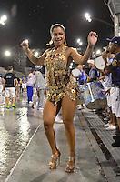 SÃO PAULO, SP, 03 DE FEVEREIRO DE 2013 - ENSAIO TÉCNICO ACADÊMICOS DO TATUAPÉ - Dani Sperle durante ensaio técnico da Escola de Samba Acadêmicos do Tatuapé na preparação para o Carnaval 2013. O ensaio foi realizado na noite deste domingo (03) no Sambódromo do Anhembi, zona norte da cidade. FOTO LEVI BIANCO - BRAZIL PHOTO PRESS