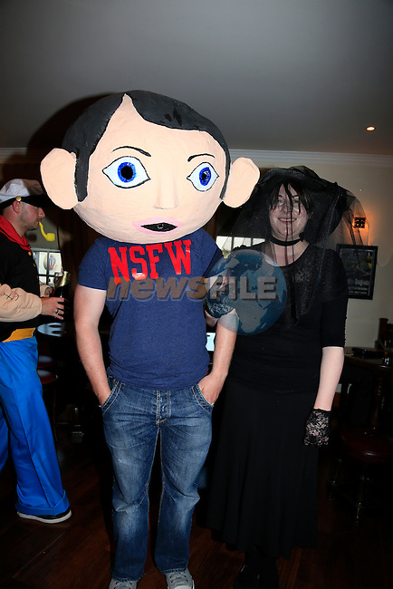 Sinead and Dereck McCluskey at Sineads 30th in McHughs<br /> Picture:  www.newsfile.ie