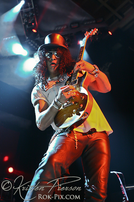 Velvet Revolver performing at Comcast Center in Mansfield on August 14, 2007