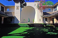 Central courtyard at the Honolulu Academy of Arts