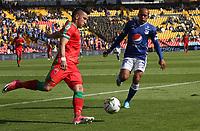 BOGOTÁ- COLOMBIA,06-10-2019:Juan Perez (Der.) jugador de Millonarios disputa el balón con Israel Alba  (Izq.) jugador de Patriotas Boyacá durante partido por la fecha 15 de la Liga Águila II 2019 jugado en el estadio Nemesio Camacho El Campín de la ciudad de Bogotá. /Juan Perez  (R) player of Millonarios fights the ball  against of Israel Alba (L) player of Patriotas Boyaca during the  match for the date 15 of the Liga Aguila II 2019 played at the Nemesio Camacho El Campin stadium in Bogota city. Photo: VizzorImage / Felipe Caicedo / Staff