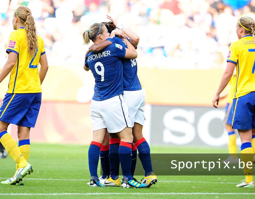 Fifa Women's World Cup Germany 2011 : Zweden - France Frankrijk at Sinsheim World Cup stadium : Elodie Thomis vreugdevol na haar doelpunt . ze deelt deze vreugde met Eugenie Le Sommer.foto DAVID CATRY / Vrouwenteam.be
