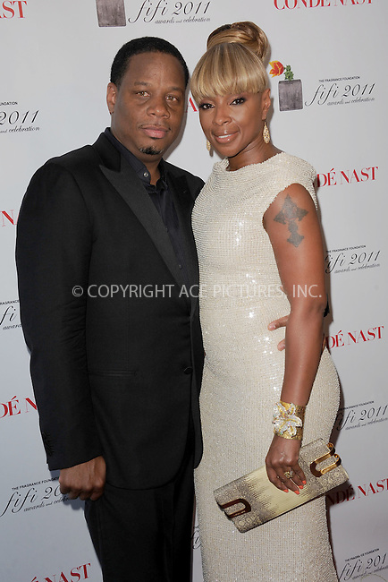 WWW.ACEPIXS.COM . . . . . .May 25, 2011...New York City...Kendu and Mary J. Blige attends the 2011 FiFi Awards at The Tent at Lincoln Center on May 25, 2011 in New York City.....Please byline: KRISTIN CALLAHAN - ACEPIXS.COM.. . . . . . ..Ace Pictures, Inc: ..tel: (212) 243 8787 or (646) 769 0430..e-mail: info@acepixs.com..web: http://www.acepixs.com .