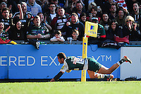 Peter Betham of Leicester Tigers scores a try in the second half. Aviva Premiership match, between Leicester Tigers and Gloucester Rugby on April 2, 2016 at Welford Road in Leicester, England. Photo by: Patrick Khachfe / JMP