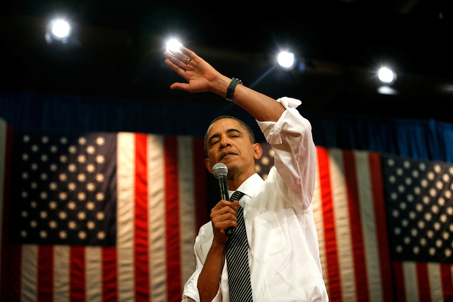 Jan 28, 2010 - Tampa, Florida, USA.U.S. President BARACK OBAMA addresses attendees at the University of Tampa in an effort to promote a jobs program centered around the investment of $8 billion to develop high-speed rail during a town hall meeting in Tampa, Florida, USA 28 January 2010. The money would come from grants from the $862 billion economic stimulus package and would be award to 31 states, including Tampa. (Credit Image: ...Brian Blanco/ZUMA Press)