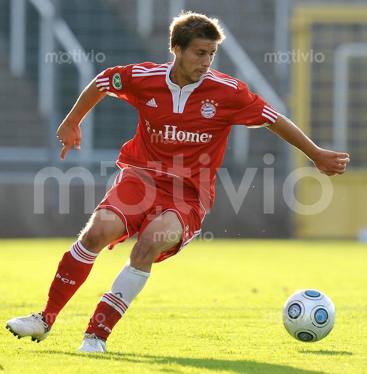 FUSSBALL     3. BUNDESLIGA     SAISON 2009/2010     28.07.2009 FC Bayern Muenchen 2 - SpVgg Unterhaching Stefan Schuerf (FC Bayern II)