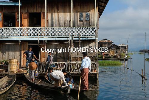 Paw Part fishing, Family shopping  villages Inle lake. Myanmar (Burma.) 2006