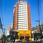 Predio de apartamentos e casa de comercio, Perdizes, Sao Paulo. 2017. Foto de Capabianco