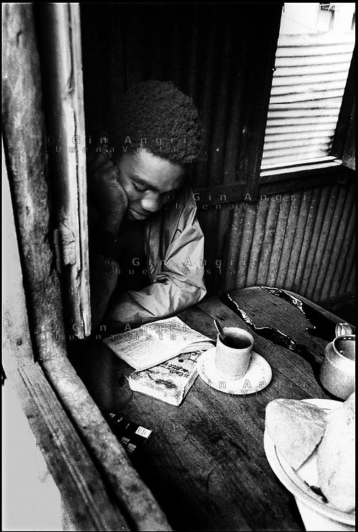 Mozambico, Maputo studio a casa