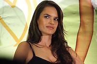 """México, D.F.- 05DIC2013 - Four Seasons Hotel<br /> La modelo brasileña de Victoria's Secret; Alessandra Ambrosio visita México, para ser imagen de la campaña 2013 """"We Love IT ;)"""" de KIO Networks, empresa mexicana dedicada a los centros de datos.<br /> Photo: Francisco Morales/DAMMPHOTO"""
