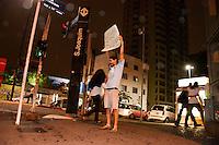 SÃO PAULO-SP-17,10,2014-INTERVENÇÃO POLÍTICA/ESTAÇÃO SÃO JOAQUIM - Artistas,Coletivos e Indivíduos durante Intervenção Política em frente à Estação São Joaquim do Metrô-(linha azul) na noite dessa Sexta-Feira,17(Foto:Kevin David/Brazil Photo Press)
