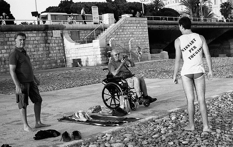 Nice (France) Août 2012<br /> <br /> Plage Handicapé.promenade des anglais.<br /> <br /> Handicapped beach.Promenade des anglais.