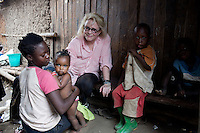 KAMPALA, UGANDA: Mary Fisher, an Aids activist, author and artist visits a poor area of Kampala during a workshop in Kampala, Uganda. Mary Fisher is infected with HIV-Aids and held a passionate speech at the Republican Convention in 1992 speaking about Aids.