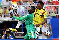 SAMARA - RUSIA, 28-06-2018: Mbaye NIANG (Izq) jugador de Senegal disputa el balón con Yerry MINA (Der) jugador de Colombia durante partido de la primera fase, Grupo H, por la Copa Mundial de la FIFA Rusia 2018 jugado en el estadio Samara Arena en Samara, Rusia. / Mbaye NIANG (L) player of Senegal fights the ball with Yerry MINA (R) player of Colombia during match of the first phase, Group H, for the FIFA World Cup Russia 2018 played at Samara Arena stadium in Samara, Russia. Photo: VizzorImage / Julian Medina / Cont