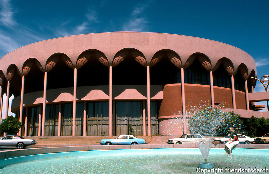 F.L. Wright: Auditorium, Tempe, AZ.  Photo '78.