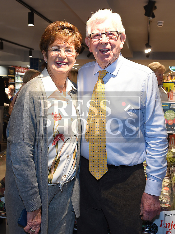 Bryan and Mary Dunne at the opening Dunne's Centra Ardee. Photo:Colin Bell/pressphotos.ie