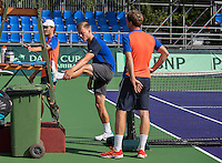 Moscow, Russia, 13 th July, 2016, Tennis,  Davis Cup Russia-Netherlands, Training Dutch team, Tim van Rijthoven (M) stretching<br /> Photo: Henk Koster/tennisimages.com