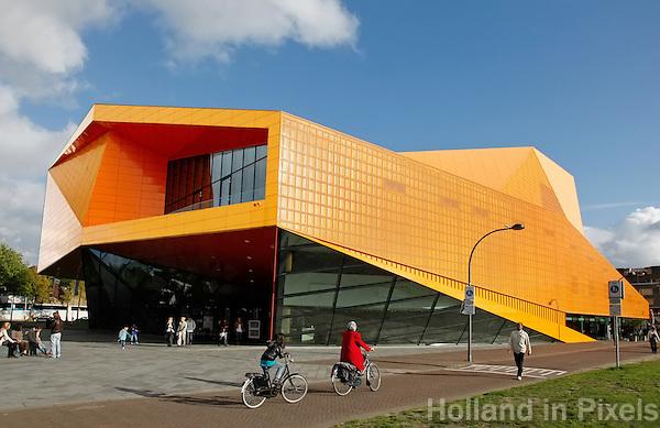 Het Agora Theater in Lelystad, een ontwerp van Un Studio