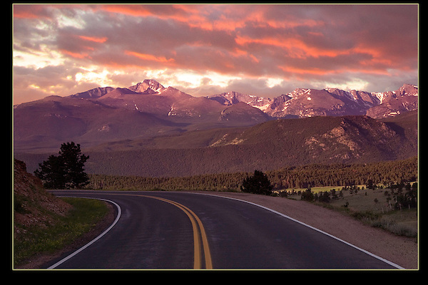 Road leading to Longs Peak at sunrise, Rocky Mountain National Park, Colorado.<br />