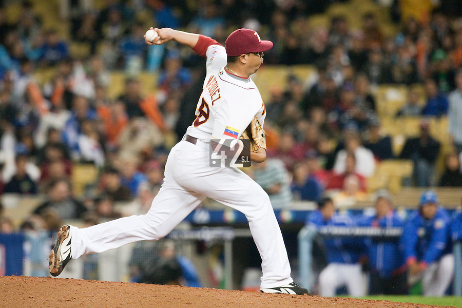 21 March 2009: #48 Carlos Vasquez of Venezuela pitches against Korea during the 2009 World Baseball Classic semifinal game at Dodger Stadium in Los Angeles, California, USA. Korea wins 10-2 over Venezuela.