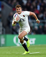 Henry Slade of England in possession. Quilter International match between England and South Africa on November 3, 2018 at Twickenham Stadium in London, England. Photo by: Patrick Khachfe / Onside Images