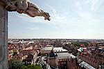 20050519 - France - Dijon<br /> REPORTAGE SUR LA VILLE DE DIJON : VUES DEPUIS LA TOUR DE BAR<br /> Ref: DIJON_001-148 - © Philippe Noisette