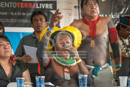The People's Summit at the United Nations Conference on Sustainable Development (Rio+20), Rio de Janeiro, Brazil, 16th June 2012. Chief Raoni Metuktire addresses the meeting of Indigenous peoples.