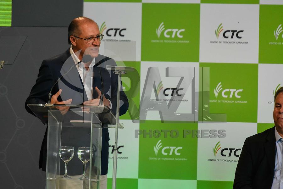 PIRACICABA,SP, 14.10.2015 - DILMA-SP. O governador de São Paulo Geraldo Alckmin durante a inauguração do complexo de laboratórios de biotecnologia do CTC ( Centro de Tecnologia Canavieira ), em Piracicaba (SP), nesta quarta-feira, 14.(Foto: Mauricio Bento/ Brazil Photo Press)
