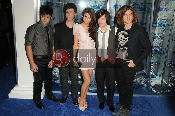Selena Gomez and The Scene<br /> at the 2011 People's Choice Awards - Arrivals, Nokia Theatre, Los Angeles, CA. 01-05-11<br /> David Edwards/DailyCeleb.com 818-249-4998