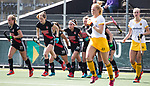 AMSTELVEEN - Hockey - Hoofdklasse competitie dames. AMSTERDAM-DEN BOSCH (3-1) . Vreugde bij oa Lauren Stam (A'dam) , Felice Albers (A'dam) , Eva de Goede (A'dam) , Marijn Veen (A'dam)   COPYRIGHT KOEN SUYK
