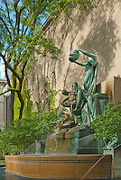 The Art Institute of Chicago includes the great Larado Taft Great Lakes Sculpture &  Fountain in it's garden