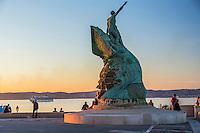 France, Bouches-du-Rhône (13), Marseille, capitale européenne de la culture 2013, palais du Pharo, monument aux héros de la mer et le Port Maritime //  France, Bouches du Rhone, Marseille, european capital of culture 2013, Pharo Palace, monument to heroes of the sea and the seaport