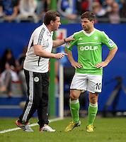 FUSSBALL   1. BUNDESLIGA   SAISON 2012/2013    32. SPIELTAG Hamburger SV - VfL Wolfsburg          05.05.2013 Thorsten Fink (li) mit Diego (re, beide VfL Wolfsburg)