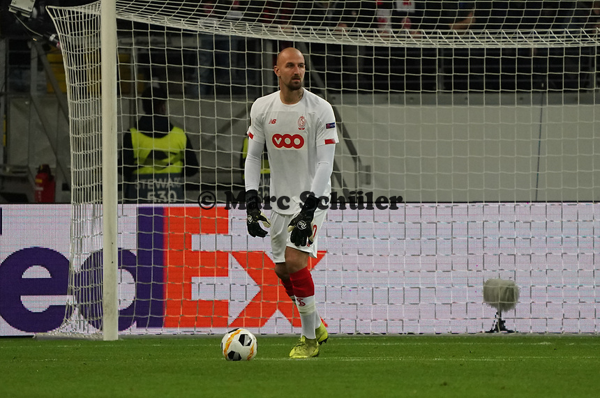 Torwart Vanja Milinkovic-Savic (Standard Lüttich, R. Standard de Liege) - 24.10.2019:  Eintracht Frankfurt vs. Standard Lüttich, UEFA Europa League, Gruppenphase, Commerzbank Arena<br /> DISCLAIMER: DFL regulations prohibit any use of photographs as image sequences and/or quasi-video.