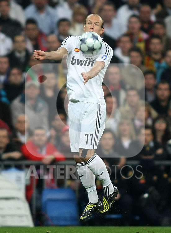 Real Madrid's Arjen Robben during the UEFA Champions League match. February 25 2009. (ALTERPHOTOS/Acero).