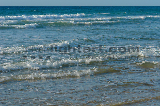 www.travel-lightart.com, ©Paul J. Trummer, Andalucia, Andalusia, Barrosa Beach, Cadiz, Chiclana de la Frontera, continent, continents, Costa de la Luz, countries, Country, Europe, Geography, Novo Sancti Petri, Spain, Andalusien, Barrosa Strand, Erdteil, Erdteile, Europa, Geografie, Kontinent, Kontinente, Küste des Lichts, Land, Länder, Spanien, Staat, Staaten, Küste, Küsten, Küstenlandschaft, Landschaftsform, Landschaftsformen, Meeresstrand, Sandstrand, Sandstrände, Straende, beaches, coast, coastal landcsapes, coastline, coastlines, coasts, landscape form, landscape forms, landscapes, sandy beach, sandy beaches, Atlantic, bodies of water, body of water, ocean, oceans, ozean, ozeans, sea, seas, Atlantik, Atlantischer Ozean, Gewässer, Meer, Meere, Ozeane, elements, H2O, Nature, Brecher, Natur, Naturelemente, Wasserwelle, Wellen, Water wave, Water waves, Waterwave