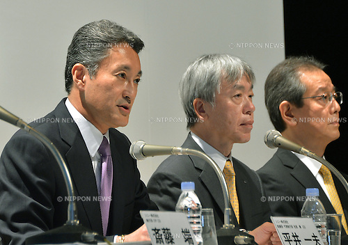 October 1, 2012, Tokyo, Japan - Kazuo Hirai, CEO of Sony Corp., and  President Hiroyuki Sasa, center, of Olympus Corp. atten a news conference in Tokyo on Monday, October 1, 2012, following the announcement of its tie-up with the scandal stricken Olympus Corp. At right is Olympus Senior Exec Managing Officer Yasuo Takeuchi...Sony and Olympus have concluded a capital and business tie-up agreement to shore up the scandal-hit Japanese medical equipment and camera maker, and will set up a joint firm to expand their medical operations. With the alliance, Sony will become Olympus' leading shareholder by acquiring a stake of around 11 percent with investment of about 50 billion yen, aiming to expand its medical business as an area of potential growth.  (Photo by Natsuki Sakai/AFLO) AYF -mis-