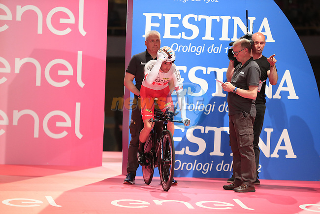 Hugo Houle (CAN) AG2R La Mondiale on the start ramp of Stage 1 of the 2016 Giro d'Italia, an individual time trial of 9.8km around Apeldoorn, The Nethrerlands. 6th May 2016.<br /> Picture: Eoin Clarke   Newsfile<br /> <br /> <br /> All photos usage must carry mandatory copyright credit (&copy; Newsfile   Eoin Clarke)
