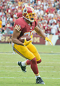 Washington Redskins tight end Jordan Reed (86) carries the ball after making a catch late in the fourth quarter against the Dallas Cowboys at FedEx Field in Landover, Maryland on Sunday, September 18, 2016.  The Cowboys won the game 27 - 23.<br /> Credit: Ron Sachs / CNP