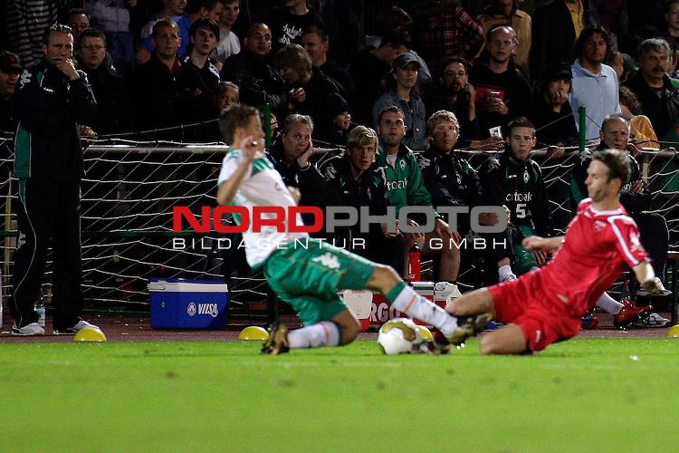 3. FBL 2008/2009 6. Spieltag Hinrunde<br /> Werder Bremen II U23 - Kickers Emden<br /> <br /> Max Kruse (#10 GER Werder Bremen II) wird gefoult von Markus Ungen (#17 Kickers Emden).<br /> <br /> Foto &copy; nph (  nordphoto  ) *** Local Caption ***