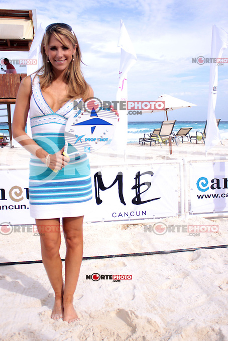 CANCUN, Quintana Roo. 30 August, 2012. Ines Sainz during the presentation of the Cancun Beach Tennis Tournament held at the Hotel Me. // Ines Sainz durante la presentacion del Torneo Cancun Beach Tennis celebrado en el Hotel Me.<br /> PHOTOS:STRAFFON/FRANCISCOGALVEZ/NORTEPHOTO