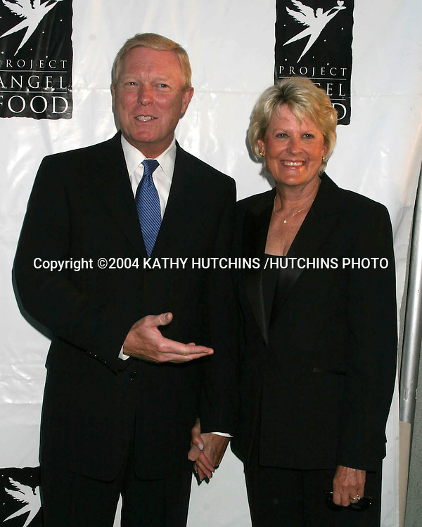 ©2004 KATHY HUTCHINS /HUTCHINS PHOTO.PROJECT ANGEL FOOD GALA IN HONOR OF SHARON STONE.LOS ANGELES, CA.AUGUST 21, 2004..RICHARD GEPHARDT.WIFE