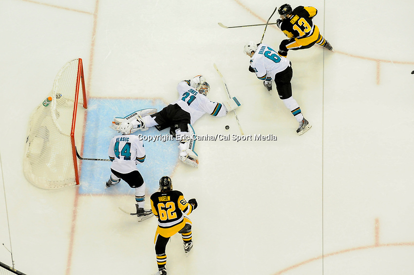 Thursday, June 9, 2016: San Jose Sharks goalie Martin Jones (31) splays out to make a save during game 5 of the NHL Stanley Cup Finals  between the San Jose Sharks and the Pittsburgh Penguins held at the CONSOL Energy Center in Pittsburgh Pennsylvania. The Sharks defeat the Penguins 4-2 in regulation time. The Penguins lead the best of seven series 3-2. Eric Canha/CSM
