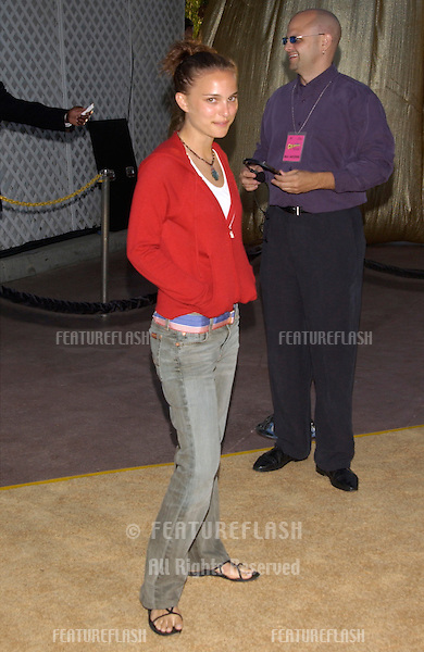 Actress NATALIE PORTMAN at the Hollywood premiere of Austin Powers in Goldmember..22JUL2002.  © Paul Smith / Featureflash