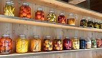 Nederland - Amsterdam - 24 maart 2018.  Ingelegde groentes in het Circl Paviljoen van de ABN AMRO bank op de Zuidas.   Foto Berlinda van Dam Hollandse Hoogte